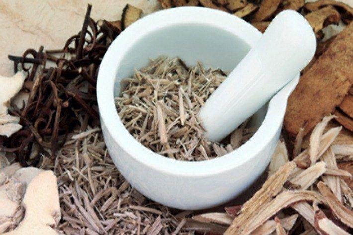 生薬・温泉などの天然成分を応用した素材・製品開発